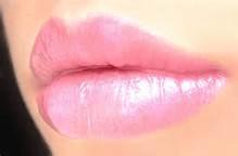 Контурная пластика губ